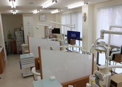 仕切りのある診療室はプライバシーが守られています。