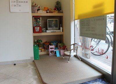 キッズスペースにはお子様の喜ぶおもちゃやガチャガチャを置いています。