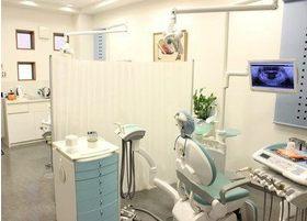 診療室です。白色を基調としています。