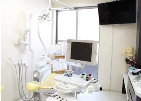 明るく清潔感のある診療室です