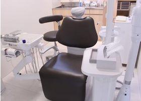 症状が悪化する前にメンテナンスを行うことが重要です。ぜひ歯が痛くなる前に、ご来院ください。