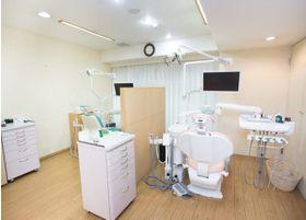 診療室は清潔な空間に配慮しています