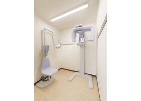 レントゲン機器。患者様の患部を見逃さないための機器です。