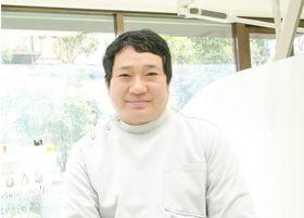 槇野歯科医院 槇野 晃久 副院長 歯科医師 男性