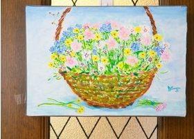絵画などを飾り、リラックスしていただける空間作りを心がけています。