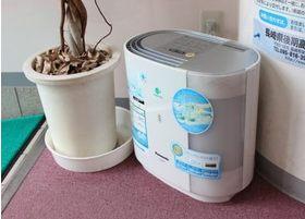 空気清浄機を設置することで、院内感染を予防しております。
