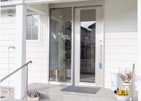 歯科医院入口