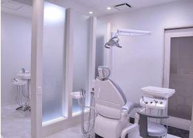 当医院は完全個室が一室あり、それ以外は半個室になっております。