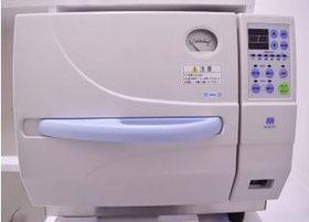 治療器具はオートクレーブにて高圧滅菌し、清潔な状態で使用するように心がけています。