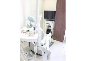 白を基調とした清潔な診療室です。