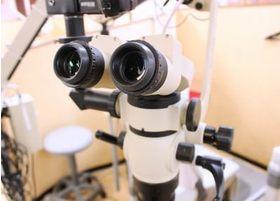 細やかな診療を提供するために、マイクロスコープを活用した診療を行っております。