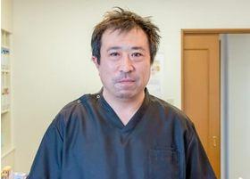 さとう歯科医院 院長の佐藤紀世彦先生です。