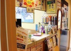 受付周りでは様々なデンタルケア用品を販売しています。