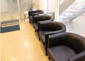 こちらの待合室でお待ちください。