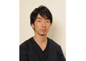 帆足歯科医院 帆足 亮太郎 副院長 歯科医師 男性