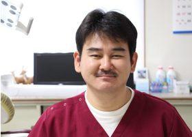 秋山歯科医院 秋山 賢一 院長 歯科医師 男性