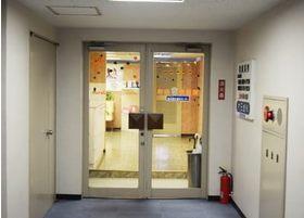 菱進横浜ビルまでお越しいただきましたら、3階までお越しください。