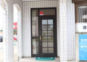 入り口はこちらです。