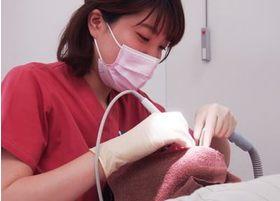 治療方針として「できる限り歯を抜かずに残す」を心がけ、丁寧に治療を行っております。