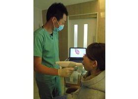 オーラルスキャナの導入により、治療期間の短縮と丁寧な治療を行うことが可能です。