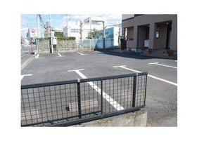駐車場が完備されており、お車の方も通院しやすい環境です。
