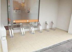 内田歯科医院の駐輪場です。6台まで駐輪することができます。
