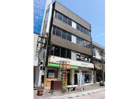 当院は、相馬ビルの2階にございます。