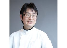 神戸デンタルクリニック 小山 智久 医師 歯科医師 男性