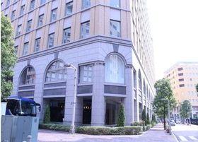 当NBFコモディオ汐留クリニックは、東京都港区の東新橋2丁目14番地1号に位置しております。