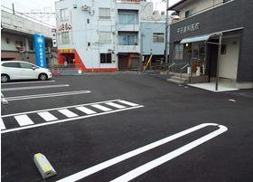 駐車場もご用意しておりますので、お車でのご来院も可能です。