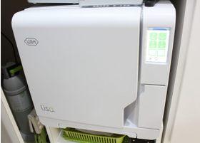 治療に使用する器具は滅菌機にかけています。