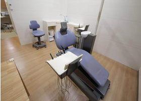 診察スペースはリラックスして頂けるように半個室になっております。