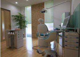 診療室は広くて快適な空間です。