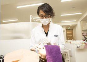 院長の東澤です。優しさと愛情を持った治療を心かげております。