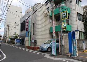福岡県福岡市早良区高取2-17-30に位置する堤歯科医院の外観です。