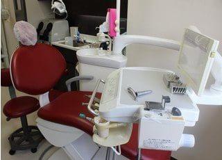診療チェアはモニター画面付きですので、ご自身の口内状態を確認できます。