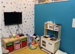 キッズスペースを設置しています。お子様連れの方もご安心ください。