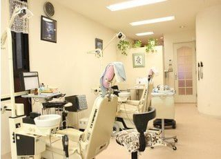 落ち着いた雰囲気の診療室です。