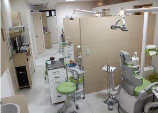 こちらの診療室は仕切りがございますので、プライベート空間を確保いただけます。