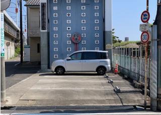 車でお越しの方はこちらの駐車場をご利用ください。