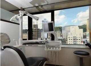 診療チェアからは、綺麗な景色が見えます。