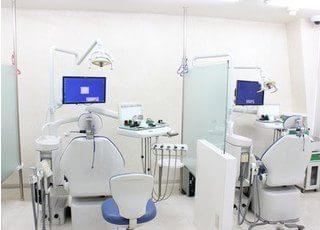 診療室は、明るく優しい雰囲気です。