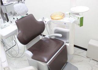 診療チェアは清潔に保っているので、安心して治療を受けられます。