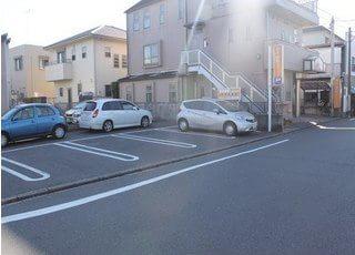 駐車場もあります。車でもお越しください。