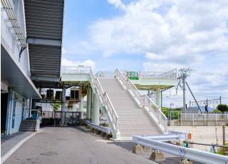JR香椎駅2階南側出口に歩道橋があります