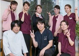 椿歯科クリニックのスタッフです。明るい笑顔でご対応します。