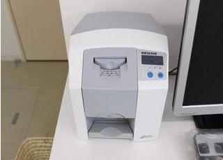 患者さんの負担が少なく、撮影の自由度が高いデジタルレントゲンも備えております。