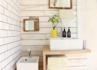 洗面台も設置していますので、治療後のメイク治しなどでお使いください。