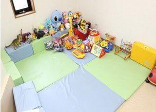 キッズルームもご用意してますので、お子様連れの患者様も安心して通院できます。