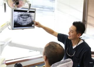 けやき歯科医院_資料を使って丁寧に治療方法を説明いたします